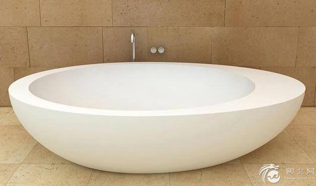 当然圆形浴缸尺寸的直径从1.3米到1